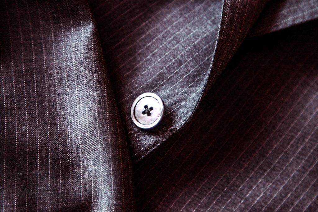 御殿場アウトレットにブリオーニが入ってた!しかもスーツの値引率がすごかった!
