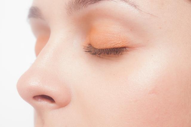 おすすめ鼻毛処理方法5選!できる男は「抜く」より「切る」!?