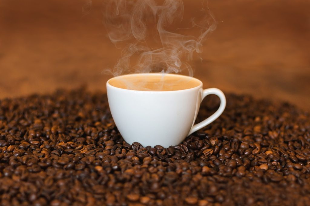コーヒー飲むとウ◯コしたくなるのはなぜ?便意の謎を徹底調査!