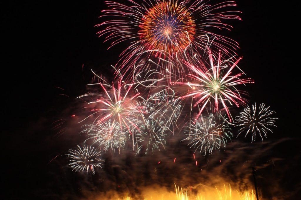 沼津夏祭り狩野川花火大会2018!日程・有料席と穴場をまとめてチェック!